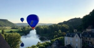 Hot ari ballon over the Dordogne River