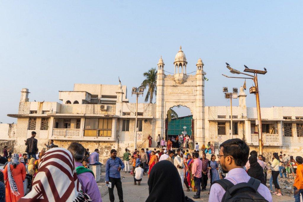Haji Ali Mosque Mumbai Photo by the Author