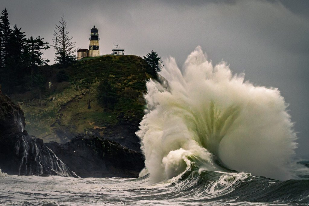 Travel Landscape photography wave crashing at Cape Disappointment, photo by Kristar Burton