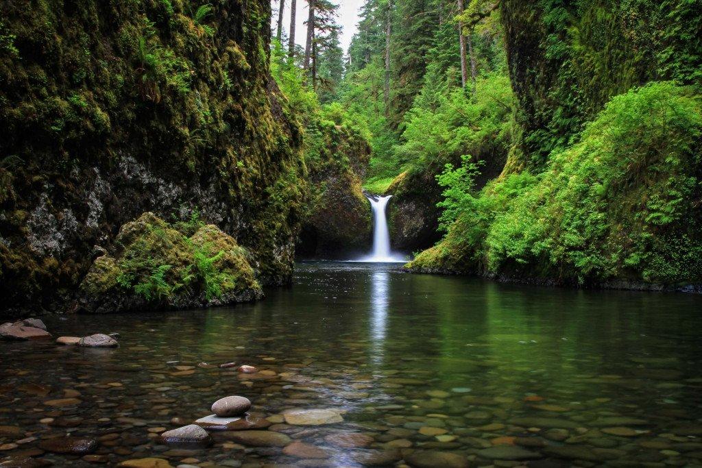 Travel Landscape Photography example of Punchbowl Falls, Oregon.